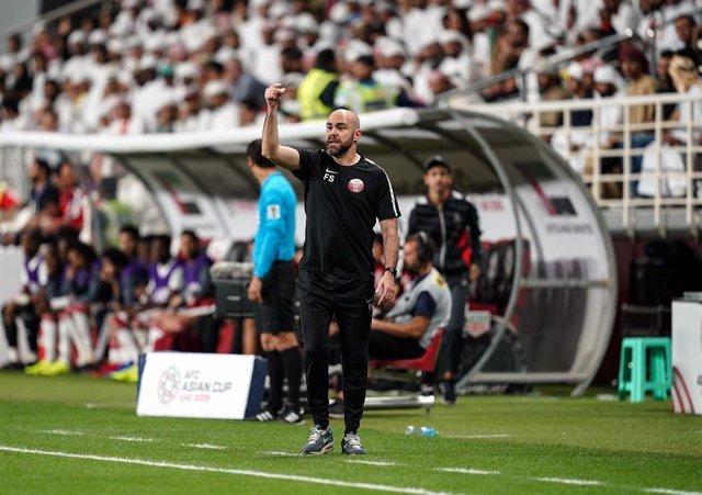 Félix Sánchez dirigiendo a Catar en la Copa Asia