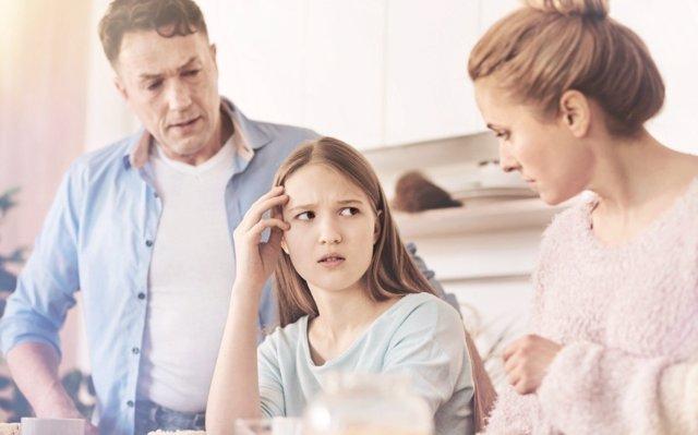 Cómo tratar a mi hijo adolescente