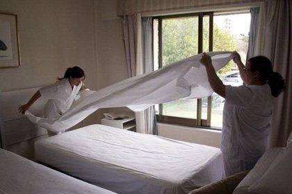 El 70% de las camareras de piso consumen fármacos de manera habitual para paliar el dolor muscular