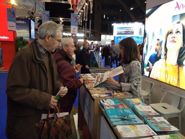 Expositor de 'Caminos de Pasión' en el 'Salon des Vacances' de Bruselas