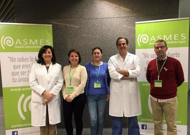 Mesa informativa de Asmes en el Quirónsalud Córdoba
