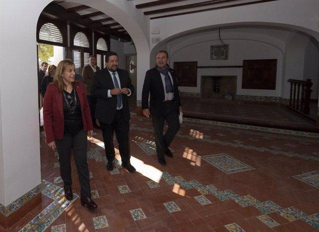 Moliner y Marqués visitan Villa Elisa