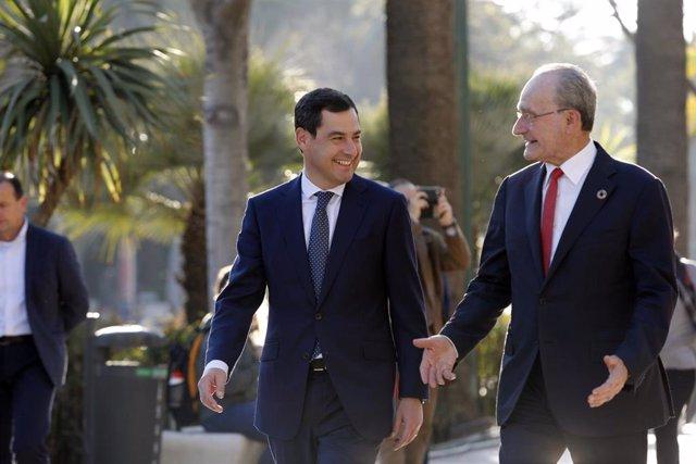 El presidente de la Junta, Juanma Moreno Bonilla, se reúne con el alcalde de Mál