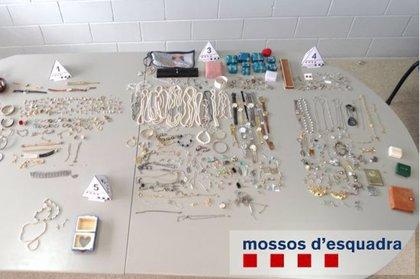 Detenen una dona per robar les joies a dues dones grans que havia cuidat a Figueres