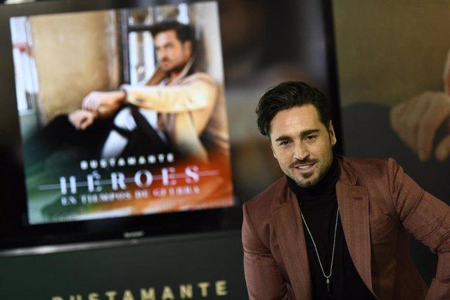 David Bustamante presenta su disco 'Héroes en tiempos de guerra'