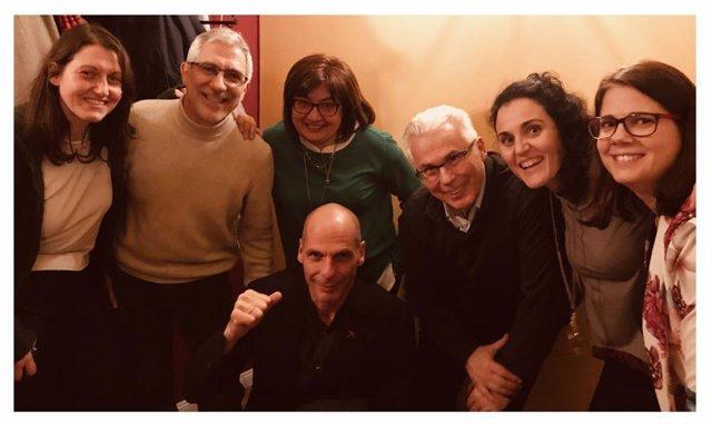Gaspar Llamazares, Baltasar Garzón, Montserrat Domínguerz y otros miembros de Ac