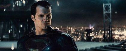 Habrá cameo de Superman en Shazam! pero... ¿Sin Henry Cavill?