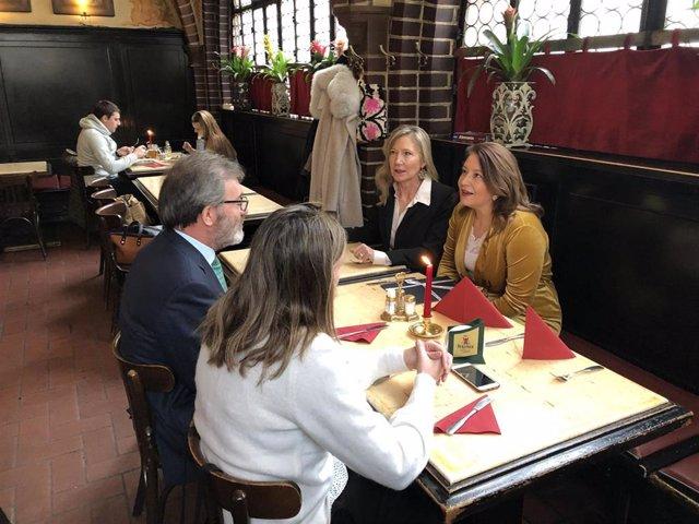 Carmen Crespo se reúne con el embajador de España en Alemania