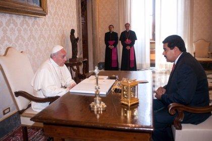 Maduro confía en que el papa acepte su petición para mediar en Venezuela