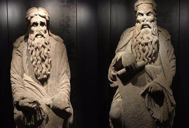 Estatuas de Isaac y Abraham, obras del Mestre Mateo, en Santiago de Compostela