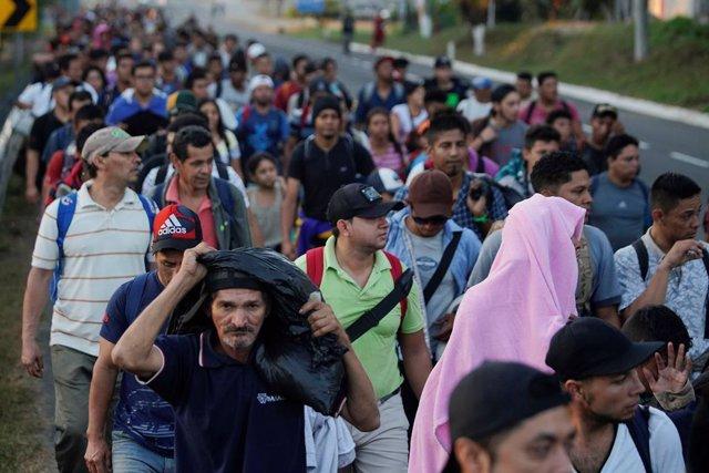 Migrantes hondureños en Ciudad Hidalgo, México