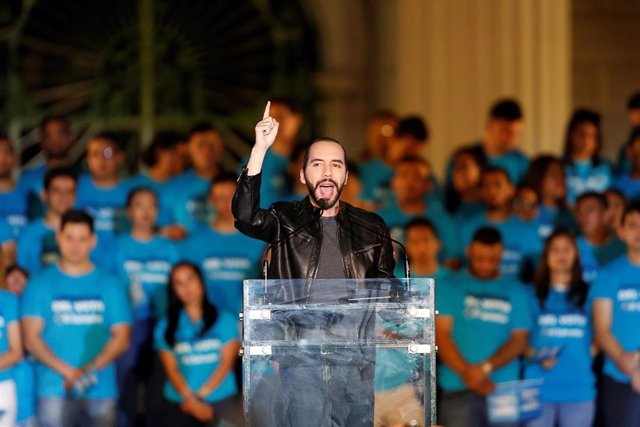 FILE PHOTO: Presidential candidate Nayib Bukele, of the Great National Alliance