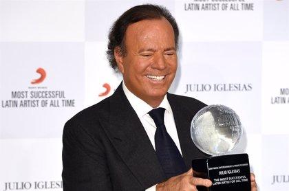 Julio Iglesias recibe este domingo el Grammy honorífico a toda su carrera