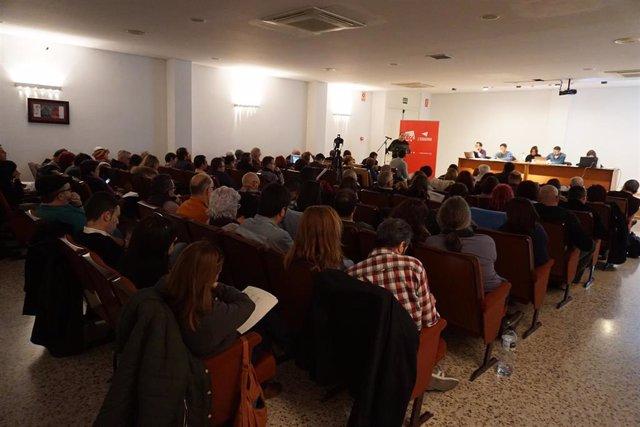 El Consell Polític de EUPV aprueba confluir con Podem en las autonómicas aunque los militantes tendrán que ratificarlo