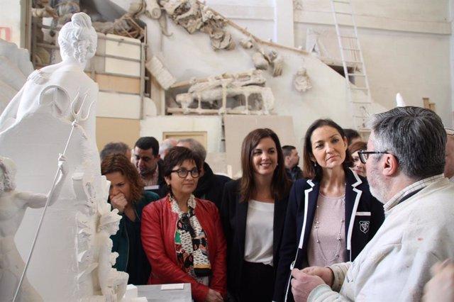 La ministra de Industria se compromete a regenerar la Ciutat Fallera de València