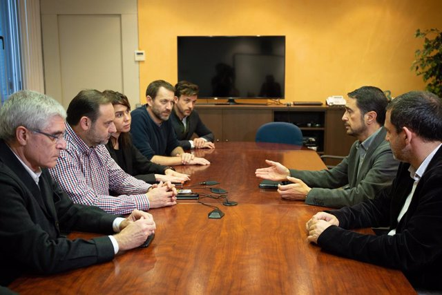 Reunió entre el ministre de Foment, José Luis Ábalos, i el conseller de Territ