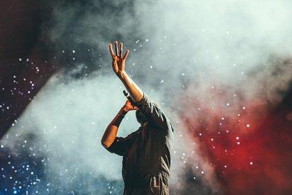 El tratamiento que ha devuelto la voz a 18 cantantes ganadores del Premio Grammy