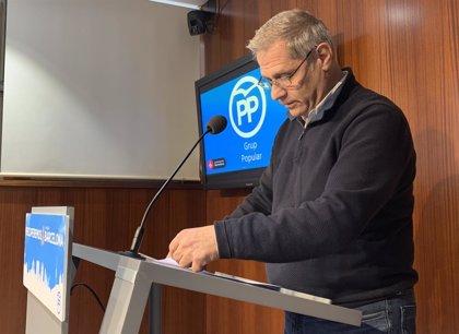 "Alberto Fernández (PP) acusa Ada Colau de convertir l'Ajuntament en ""un casal independentista"""
