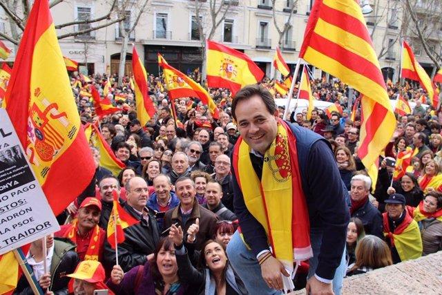 El presidente del PP de C-LM en la manifestación de Colón