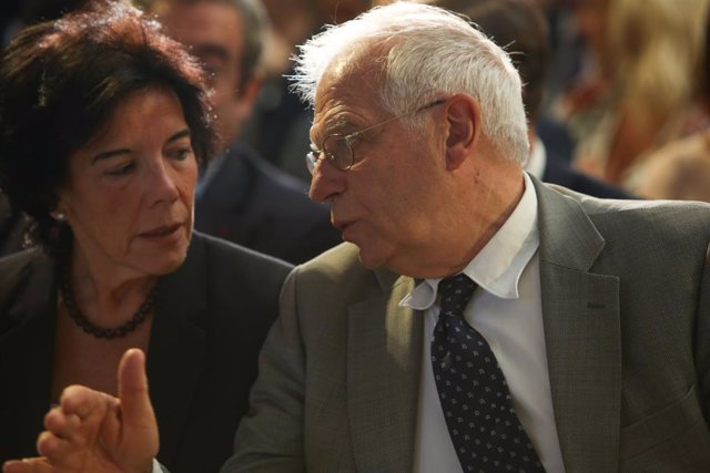 Josep Borrell i Isabel Celáa