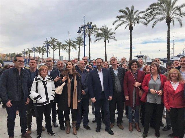 El ministro de Fomento, José Luis Ábalos, y el alcalde Josep Fèlix Ballesteros e