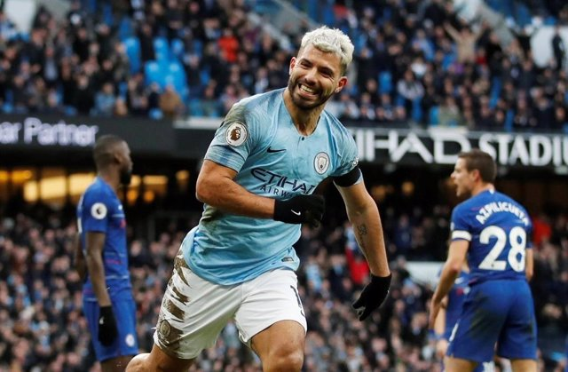 El delantero argentino Sergio Agüero celebra un gol con el Manchester City