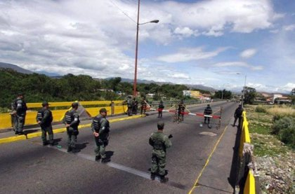 El chavismo denuncia el despliegue de paramilitares en la frontera entre Venezuela y Colombia