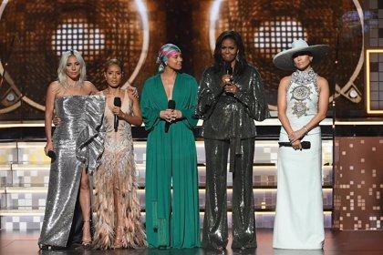 Michelle Obama hace una aparición sorpresa en la entrega de los Grammy