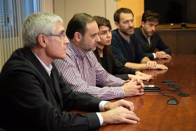 Reunión entre el ministro de Fomento, José Luis Ábalos, y el conseller de Territ