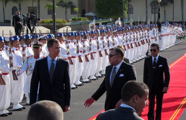 Felip VI, rebut pel rei del Marroc en arribar a Rabat (arxiu)
