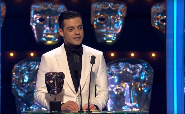 Rami Malek recoge su BAFTA por Bohemian Rhapsody