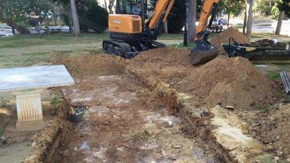 La Diputación de Cádiz inicia la excavación en busca de fosas comunes en el parque El Mayeto de Rota