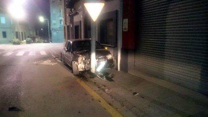 Detingut un conductor a Manlleu que després de patir un accident i fugir, va donar positiu en drogues
