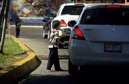 Rescatan a 14 menores obligados a pedir limosna en México