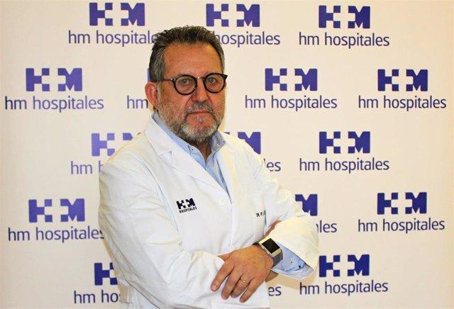 El director del serviio de Digestivo de HM Hospitales en Santiago, el doctor Aur