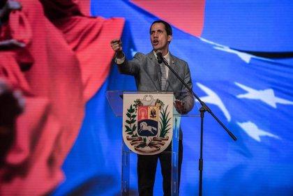 """Guaidó celebra que """"más de 100.000 venezolanos"""" se han sumado como voluntarios para la ayuda"""