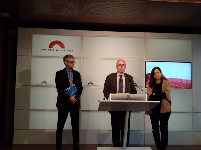 El Síndic de Greuges, Rafael Ribó, amb l'adjunt general Jaume Saura i l'adjunt J