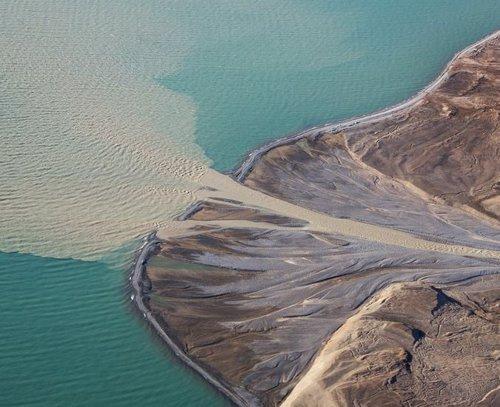 Sedimentos arrojados al océano por el deshielo glaciar