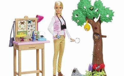 Niñas y ciencia, ¿cómo fomentar la igualdad equitativa a través de Barbie o los libros?
