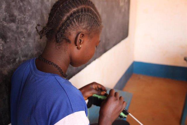 Sophie, niña de República Centroafricana que fue reclutada como soldado