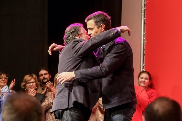 Pedro Sánchez y Pepu Hernández