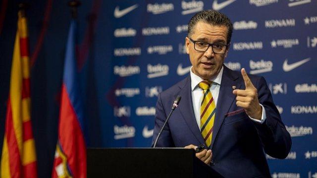 El portavoz del FC Barcelona, Josep Vives, en rueda de prensa