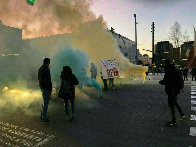 Los CDR cortan la avenida Diagonal de Barcelona