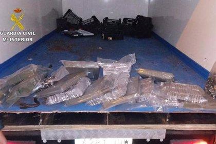 Cinc detinguts a la Jonquera per dur prop de 100 quilos d'haixix i marihuana en diferents vehicles