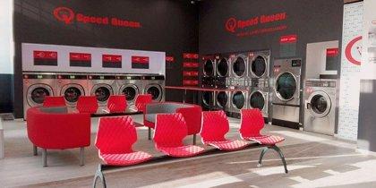 Speed Queen celebra la apertura de 100 lavanderías en España