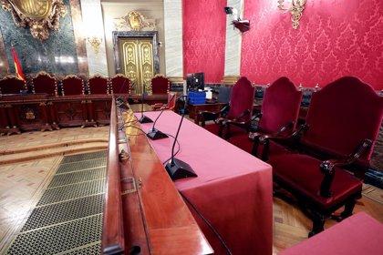 Els presos independentistes ja esperen al Suprem l'inici del judici