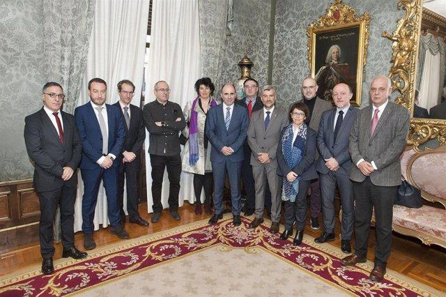 Representantes de la UPNA y del Patronato de Naitec.