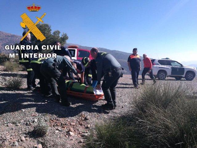 Auxilian a un parapentista herido en Berja (Almería)