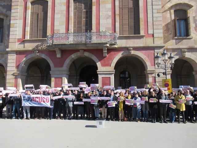 Diputats i treballadors del Parlament protesten pel judici a l'1-O