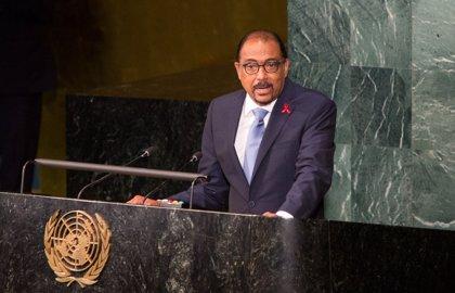 """La Unión Africana reconoce al director de ONUSIDA por sus """"logros sobresalientes"""" en la lucha contra el sida"""